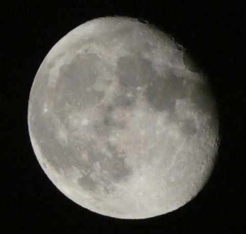 月齢16.4の月